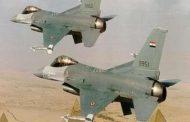 """طائرات مصرية تستهدف """"إرهابيين"""" في منطقة الواحات البحرية غرب المنيا."""