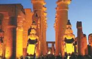 الأقصر تحتفل بتعامد القمر على إله القمر خونسو بمعابد الكرنك