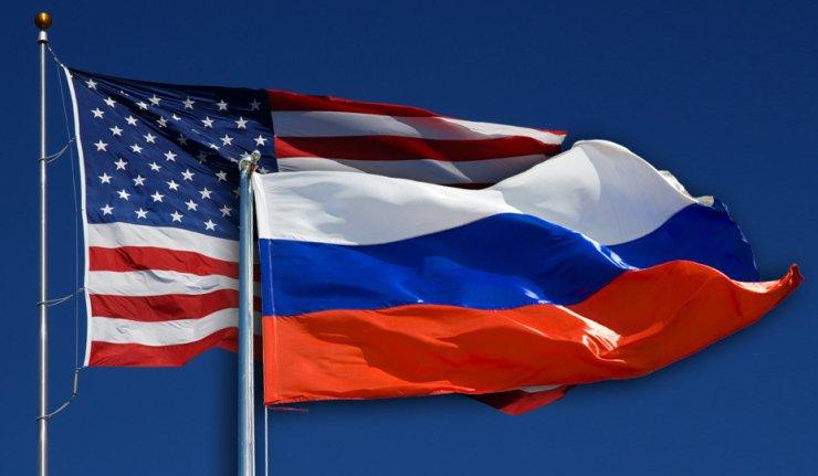 موسكو تطالب واشنطن بعدم قصف قوات النظام  السوري.
