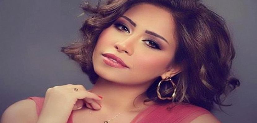 شيرين عبدالوهاب تدعو معجبيها إلى لقاء معها