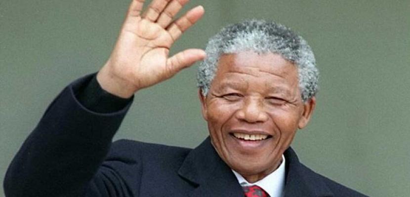 """""""جدى مانديلا"""" أحدث مؤلفات ابنة المناضل الإفريقي الراحل في ذكرى مولده"""