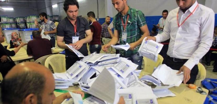 العراق يواصل عملية الفرز اليدوي لأصوات الانتخابات التشريعية