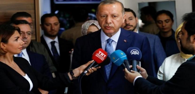 إردوغان يتعهد بحكومة أكثر كفاءة ووزراء من خارج حزبه