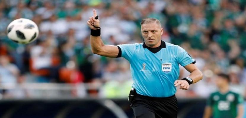 الحكم الأرجنتيني بيتانا يدير نهائي كأس العالم