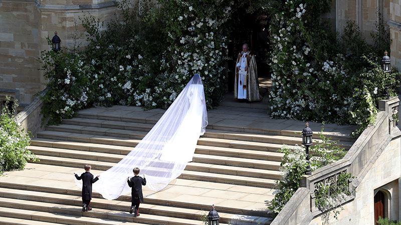ثوب زفاف ميجان ماركل في معرض بقصر وندسور