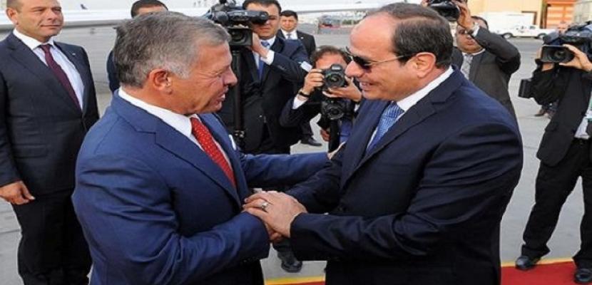 الرئيس السيسي وعاهل الأردن يؤكدان أهمية تضافر الجهود العربية للتصدي لأزمات المنطقة