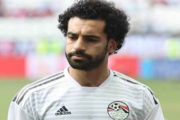 بعد خروجه من قائمة المنتخب.. صلاح يغادر القاهرة