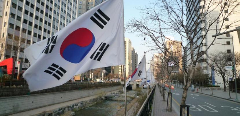 كوريا الجنوبية تمنع صعود 25 ألف أجنبي للطائرات المتجهة إليها للاشتباه في ارتكابهم جرائم