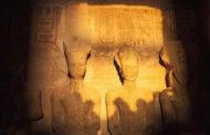 الشمس تتعامد على وجه تمثال رمسيس الثانى بأسوان لمدة 20 دقيقة