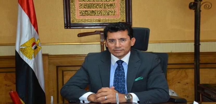 وزير الشباب والرياضة يهنئ رئيس الهيئة العامة للرياضة على نجاح السوبر المصري السعودي
