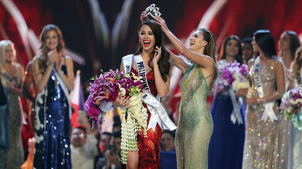 للمرة الرابعة فلبينية تفوز بلقب ملكة جمال الكون