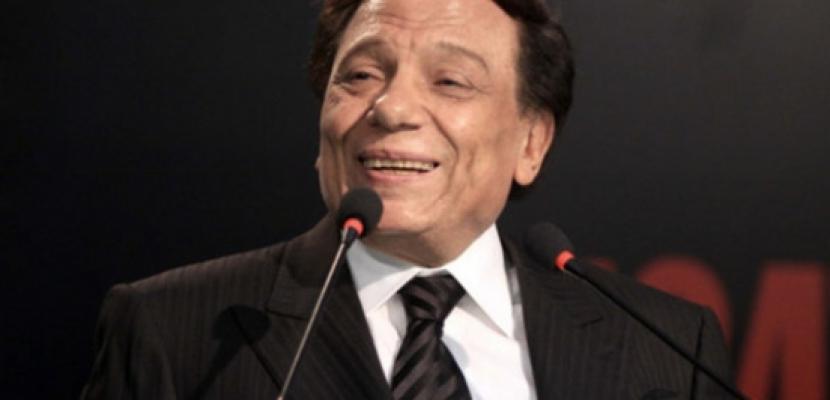 """عادل إمام ينوي تقديم جزء ثاني من """"العراف"""""""
