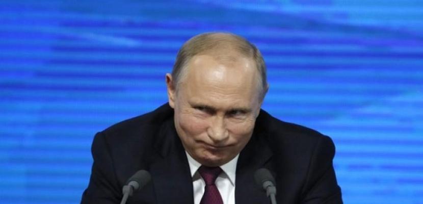بوتين: الثقة العالمية في الدولار تتراجع