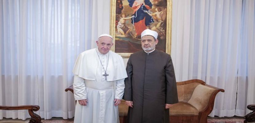 رجال دين من الإمارات: زيارة شيخ الأزهر وبابا الفاتيكان رسالة للعالم بأن الإمارات أرض السلام والتسامح