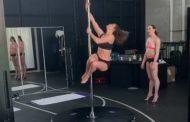 جينيفر لوبيز تستعد لفيلمها الجديد برفع الأثقال والرقص على العمود