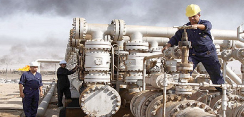 شركة النفط اليمنية تعلن أن مبيعات عدن من المشتقات النفطية بلغت 74 مليار ريال