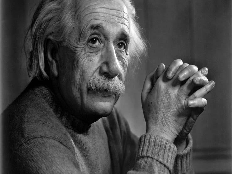 كنز دفين من أوراق ألبرت آينشتاين يعرض في القدس