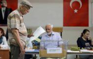 الأتراك يصوتون في انتخابات محلية قد تشهد خسارة أردوغان في مدن كبرى