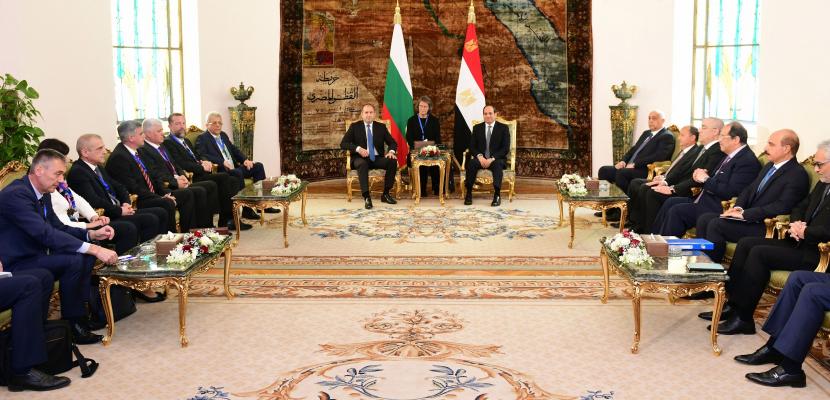 الرئيس السيسي يعقد جلسة مباحثات مع نظيره البلغاري.. ويؤكد أهمية قيام المجتمع الدولي بالتعامل مع جذور آفة الإرهاب