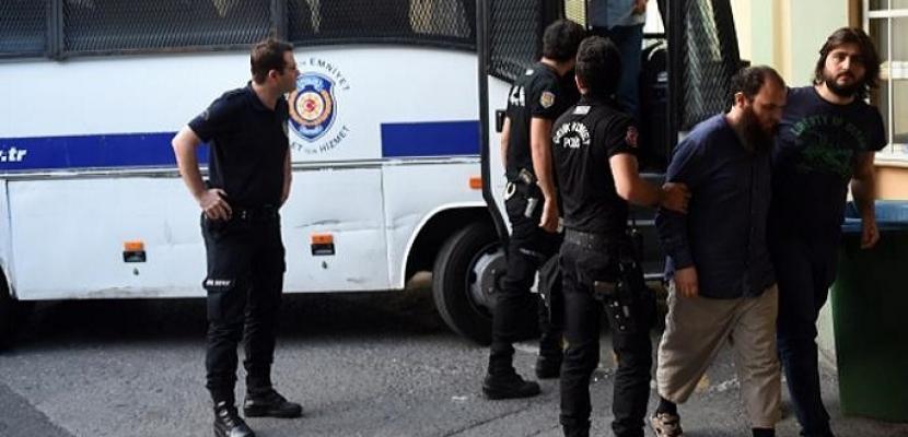 تركيا تأمر باعتقال 144 شخصا لصلتهم بجولن