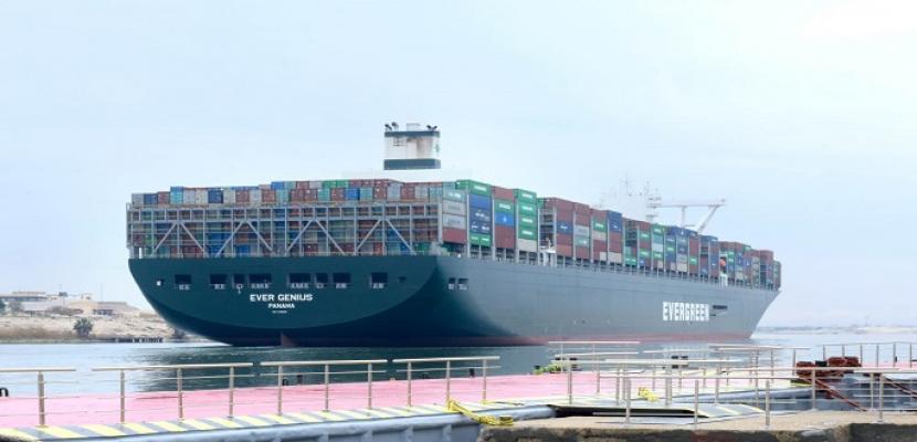 بدء التشغيل التجريبي للميناء المحوري بشرق بورسعيد