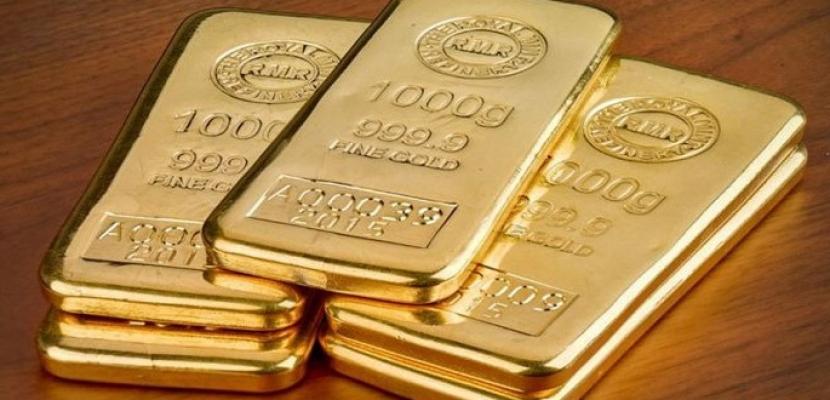 الذهب يرتفع متجها لتحقيق أول مكسب أسبوعي في 3 أسابيع مع تراجع الدولار