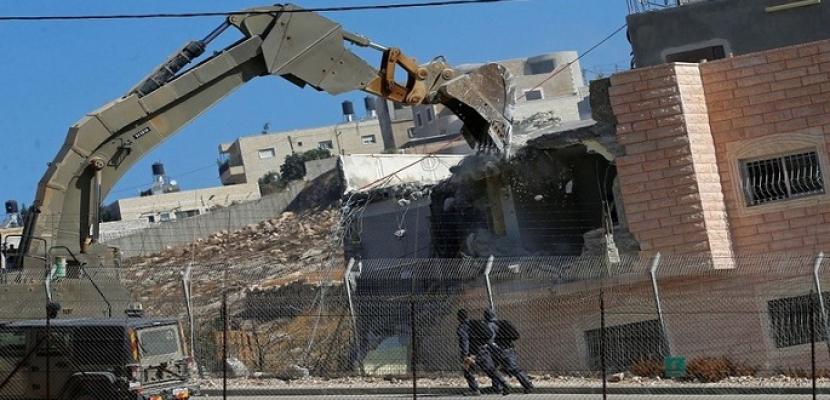 الاحتلال الإسرائيلي يهدم منزلين بالقدس بذريعة عدم الترخيص