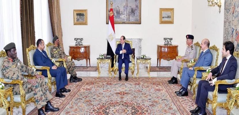 السيسي يوجه التهنئة للشعب السوداني الشقيق بالاتفاق السياسي الخاص بترتيبات المرحلة الانتقالية