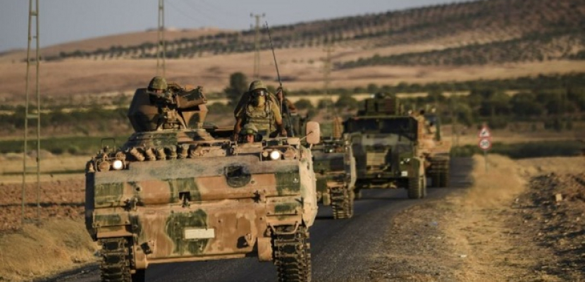 تركيا تتأهب لعمل عسكري مع تعثر المحادثات مع أمريكا حول منطقة آمنة في سوريا