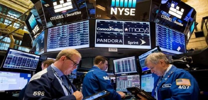 الأسهم الأمريكية تهوى بعد تصريحات ترامب عن وقف محادثات التحفيز الاقتصادي
