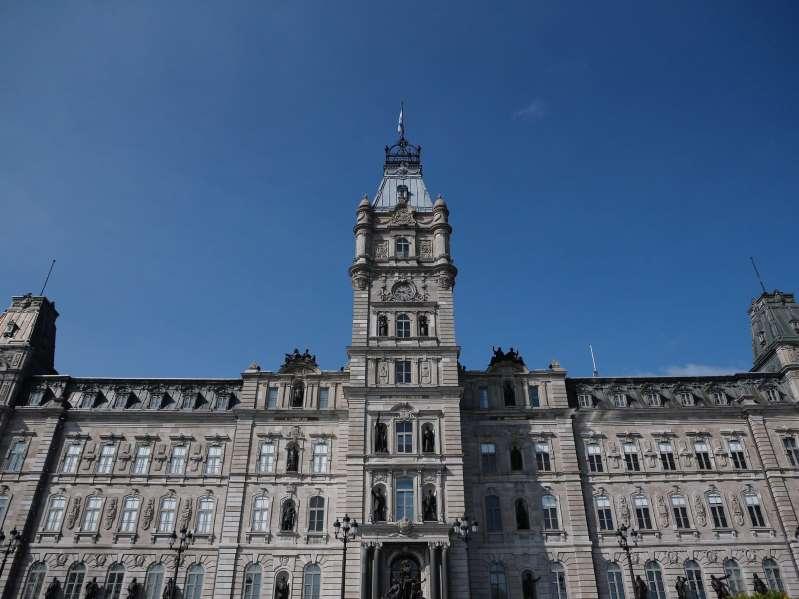 Québec songe à créer un commissaire à la langue française
