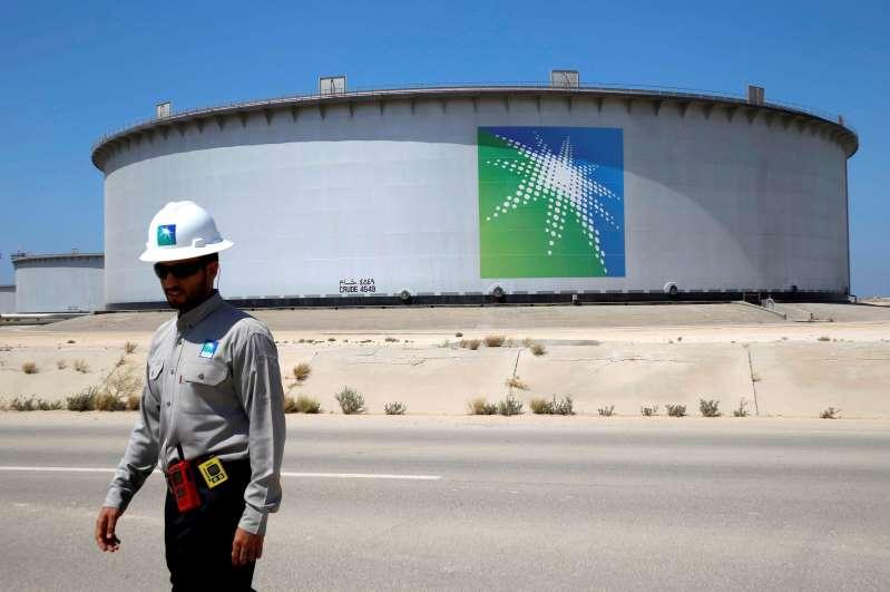 مسؤول تنفيذي: أرامكو السعودية مستعدة للطرح العام