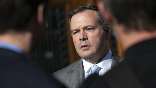 حرب كلامية بين كيبيك وألبرتا حول التحويلات المالية الفدرالية للمقاطعات