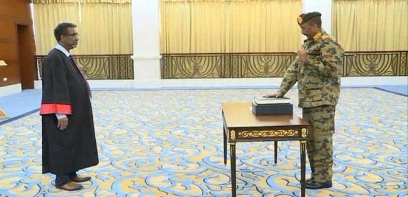 الفريق البرهان يؤدى القسم الدستورى رئيساً لمجلس السيادة فى السودان