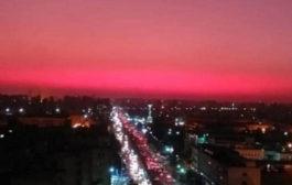 """""""السماء الحمراء"""" تحير سكان القاهرة"""