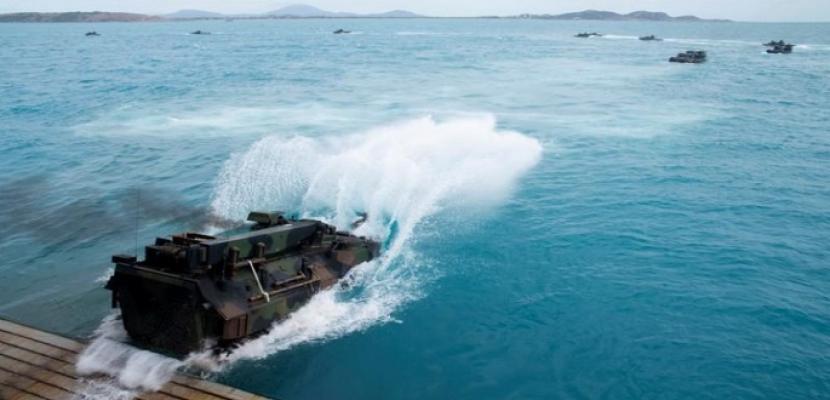 سفينة عسكرية أمريكية تعبر مضيق تايوان