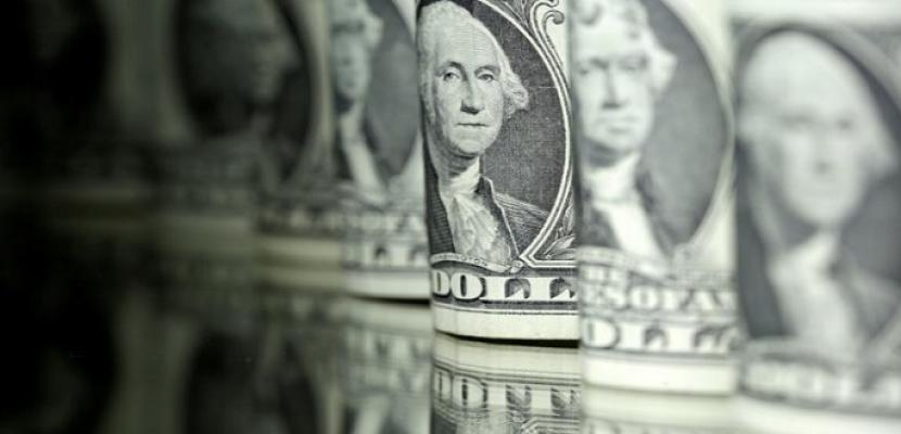 الدولار يرتفع بفعل تصاعد التوتر بين أمريكا والصين واليوان يتراجع مع عملات آسيوية