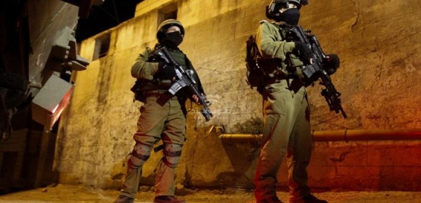 القوات الإسرائيلية تعتقل وزير شؤون القدس وتداهم منزل محافظ المدينة