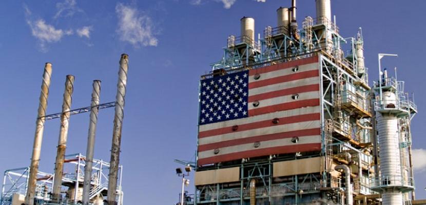 استقرار أسعار النفط في ظل مخاوف بشأن زيادة الإمدادات وتباطؤ الطلب