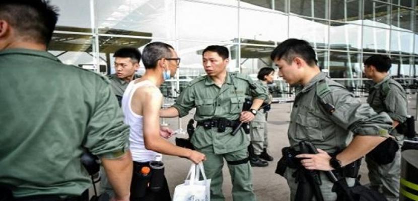 انتشار كبير للشرطة لمنع المتظاهرين من استهداف مطار هونج كونج مجددا
