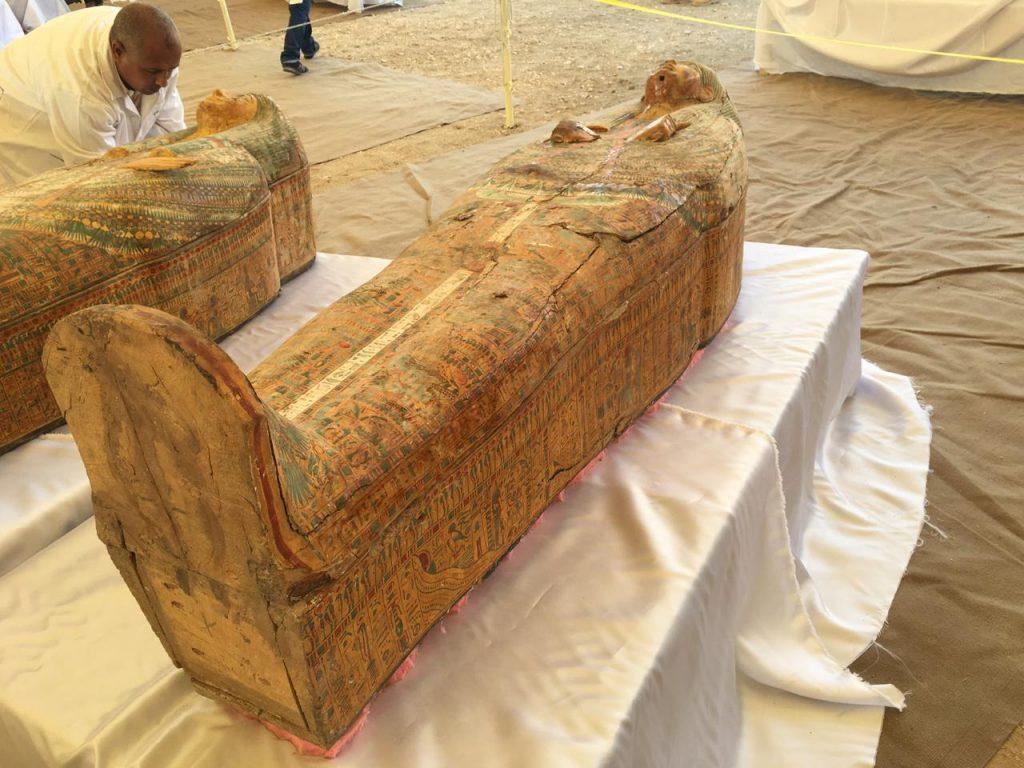 وزير الآثار: توابيت خبيئة العساسيف تعود لعائلات الأسرة الـ22 الفرعونية