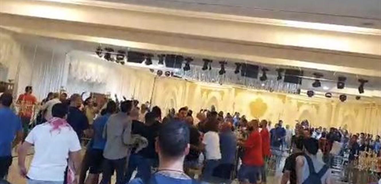 توتر وشهر سلاح في الدامور.. ناشطون يعتدون على الوزير غسان عطالله بالضرب