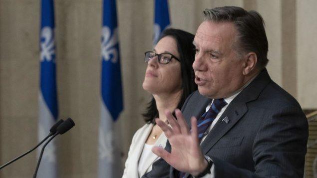 """رئيس حكومة كيبيك يحذّر ترودو من """"المساس"""" بقانون علمانية الدولة"""