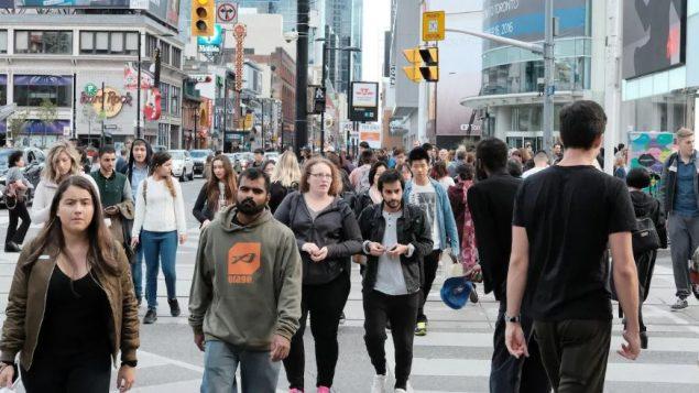 ارتفاع قياسي لعدد السكان في كندا بسبب الهجرة