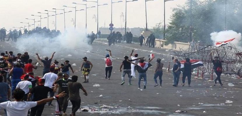 الحكومة العراقية تنفى قتل المتظاهرين .. وتتحدث عن طرف ثالث
