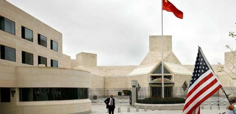 الصين تعتقل أمريكيين اثنين وواشنطن تقيد حركة الدبلوماسيين الصينيين