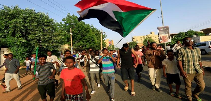 مقتل شخص وإصابة آخرين في اشتباكات بين الشرطة ومحتجين بالسودان