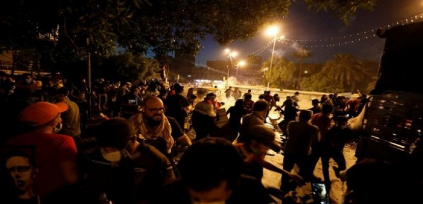 مقتل 13 عراقيا وإصابة أكثر من 865 إثر فض الأمن لتظاهرات في كربلاء.. والشرطة تنفي