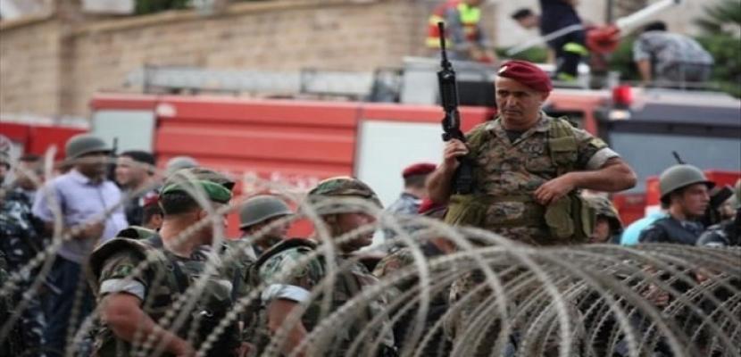 الجيش اللبناني يتدخل لإيقاف اشتباكات بين المتظاهرين والرافضين لقطع الطرق
