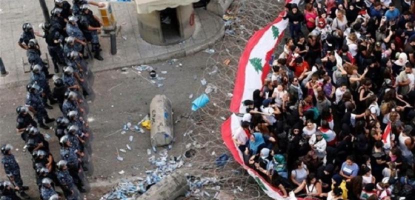 لبنان ينتفض لليوم 15 على التوالي..والجيش يعيد فتح الطرقات المغلقة بمختلف المناطق